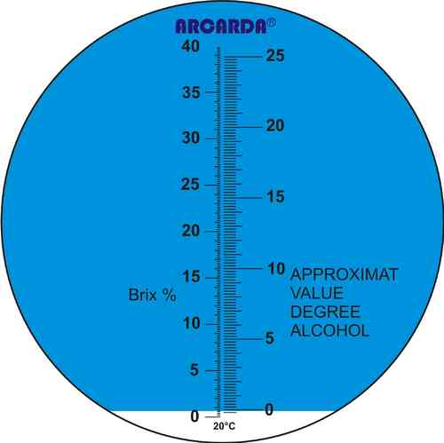 Hand-held refractometer, 0-40% Brix, 0-25% pot. alcohol concentration